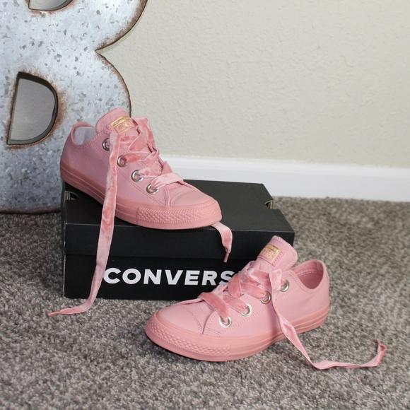 Women's Chuck Taylor Big Eyelets Ox Casual Sneaker